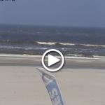 Een foto van het beeld van de webcam van surfschool Foamball